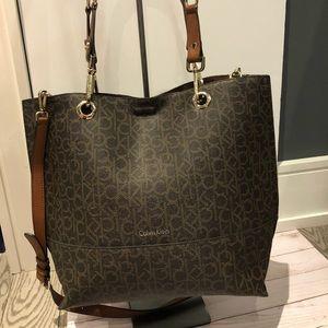 Calvin Klein Bags - Calvin Klein tote,good condition